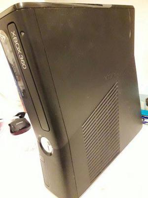 Xbox 360 C/cargador Dos Controles Y Mas!!