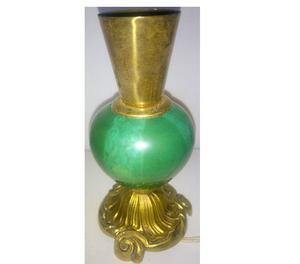 Antiguo velador de bronce y onix 850 grs.