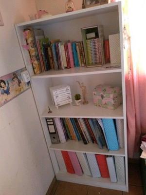 Biblioteca con estantes de Melamina Blanca