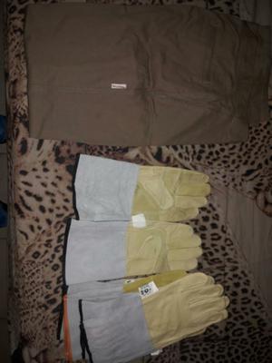 Equipo de trabajo pantalon y 5 pares de guantes