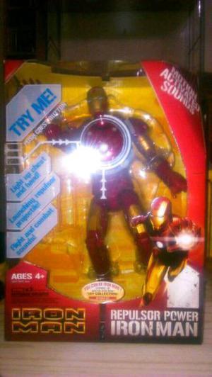 Iron Man original Hasbro. Con luz y frases!!! Lanza