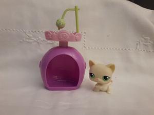 Littlest Pet Shop Gatita blanca con Casita