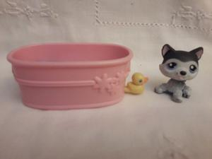 Littlest Pet Shop Perrito Husky con bañera