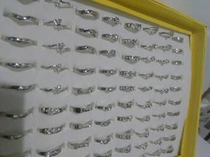 Lote De Anillos X100. 10 Modelos En Caja