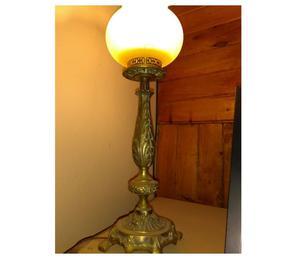Hermosa lámpara antigua, bronce macizo. En Neuquén.