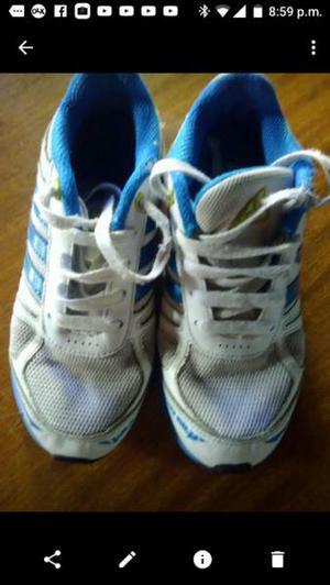 Vendo zapatillas número 32, marca Adidas