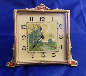Antiguo Reloj De Mesa O Escritorio Junghans Marco Esmaltado