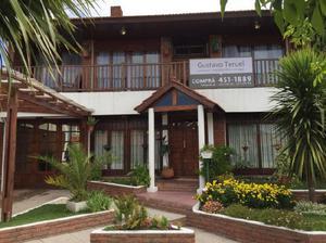 Colinas de Peralta Ramos. Confortable casa en 2 plantas.