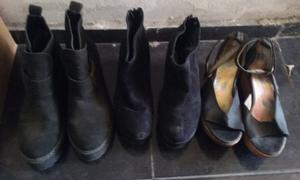 Vendo dos botas y una sandalia