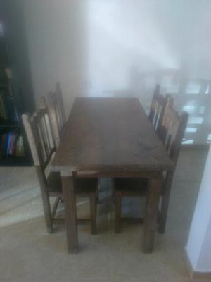 Liquido mesa y 4 sillas