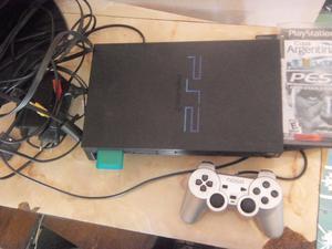 Playstation 2, con 2 joysticks, memoria y juegos