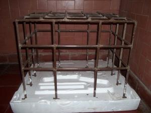 Reja protectora de hierro para aire acondicionado de