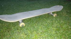 Skate BIRDHOUSE usado en muy buen estado