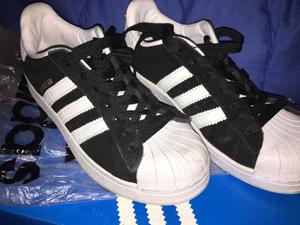 Zapatillas adidas superstars gamuza negra 37