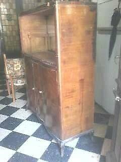 antiguo aparador a restaurar