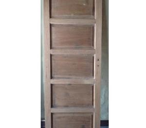 Puerta de cedro para interior
