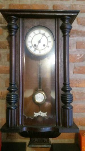 Reloj antiguo a péndulo (kerkurrenz)