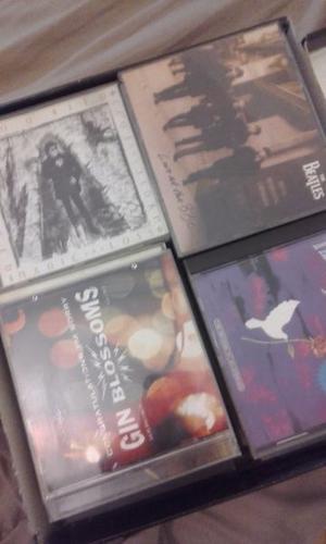 Cds Lote De 30. Beatles. Nirvana. Foo Fighters, Etc.