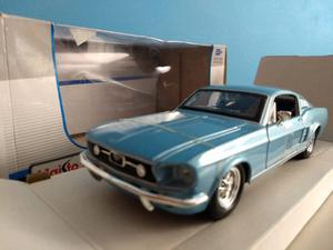 Ford Mustang GT ' - escala 1 24 - espectacular