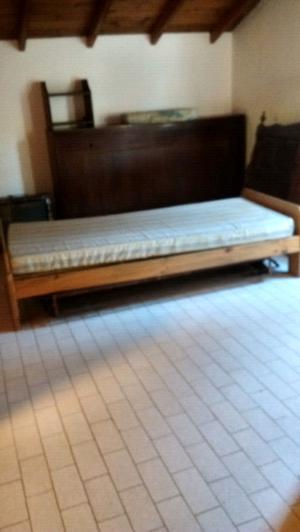 Juego de Dormitorio cama 1 plaza y 2 mesas de luz