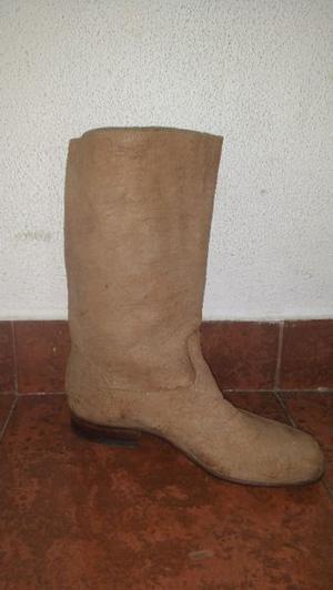 Vendo botas cuero de carpincho N° 40 muy poco uso
