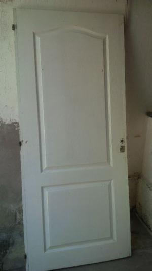 Vendo puerta de muy buena calidad