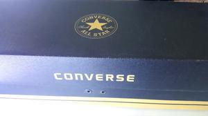 Zapatillas Converse Chuck Taylor (negras) un solo uso.