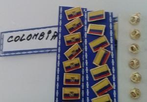 PINS BANDERA COLOMBIA 2 MODELOS DE 2 CMS