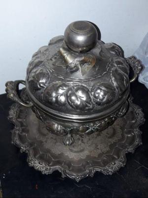 Antigua Ponchera con fuente