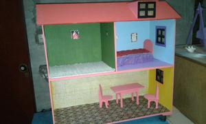 Casa de muñecas decorada y con accesorios