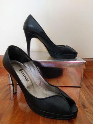 Sandalias negras cuero de taco alto