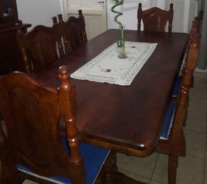 mesa con sillas de algarrobo