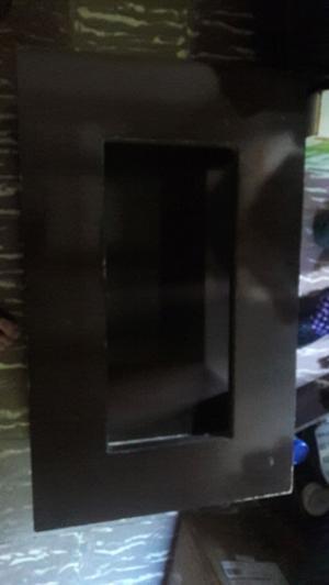 Mesa ratona de madera color marron oscuro