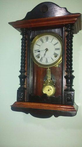 Pequeño Reloj De Pendulo Antiguo Waterbury