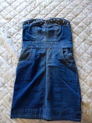 Vestido de jean con tachas