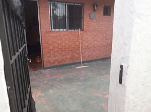 ALQUILO DEPARTAMENTO DE 2 AMBIENTES EN BANFIELD CON RECIBOS