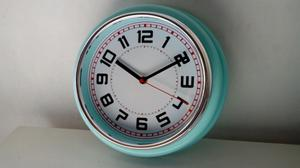 Reloj retro vintage de pared