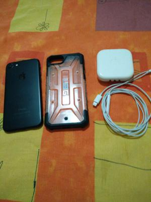 Vendo Iphone 7 32 gb libre de Icloud.