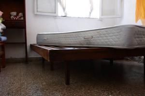 Cama y colchón de 2 plazas de resorte (Buen Estado)