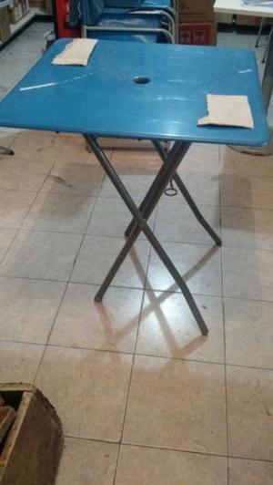 Vendo 7 mesas plegables para bar, de metal