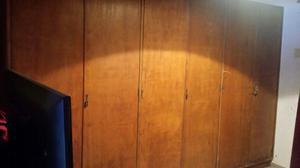 Vendo placard ropero de guatambú de 6 puertas.