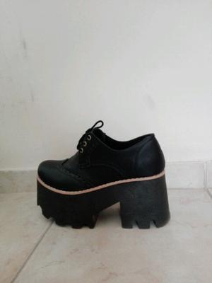 Zapatos plataformas número 36 un uso