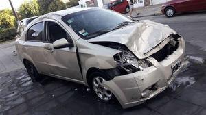Chevrolet Aveo 2011 con gnc chocado funcionando