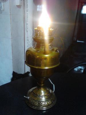 VENDO ANTIGUA LAMPARA DE BRONCE DE MESA, FUNCIONANDO