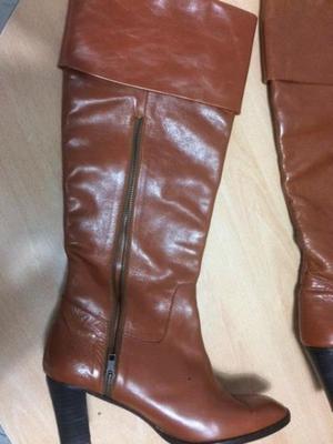 vendo botas altas marrones de cuero autentico