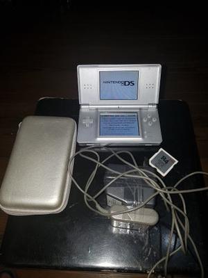 Nintendo Ds Lite Gloss Silver Con R4 Cargador Y Estuche