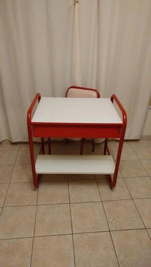 Vendo juego de escritorio de caño con silla, impecable!