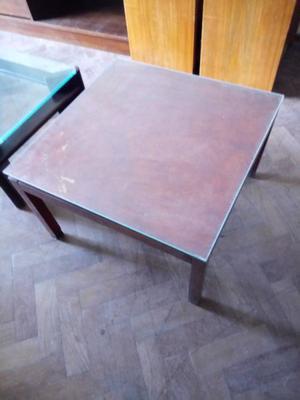 Vendo mesa ratona de madera y vidrio
