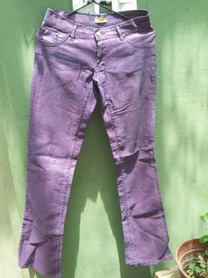 Vendo pantalon de jean violeta