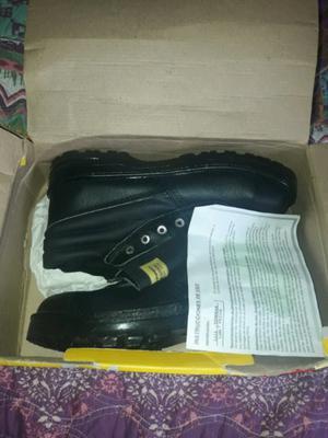 Vendo urgente zapatos de seguridad